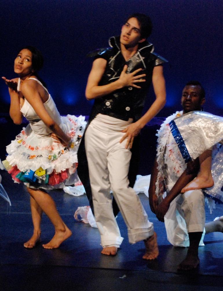 3 dancers posing